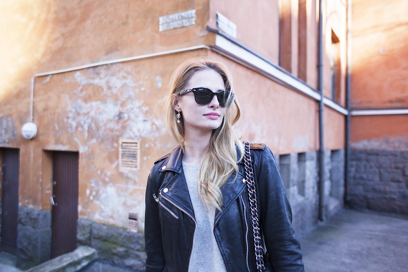corner girl kallio3